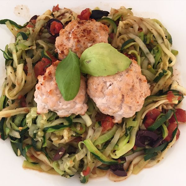 Mediterranean Zucchini Noodles with Turkey Meatballs- Easy, paleo recipes- Double Dose Fitness