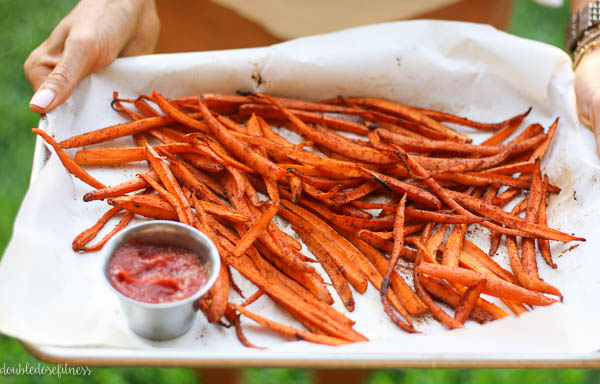 Oven-Roasted Carrot Fries - A healthy way to update your fries. Roasted in the oven and seasoned with paprika, cinnamon, and cayenne | adoubledose.com