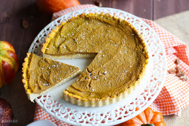 Healthy Pumpkin Pie - this skinny, clean eating version of pumpkin pie is gluten free, dairy free, and guilt-free | adoubledose.com