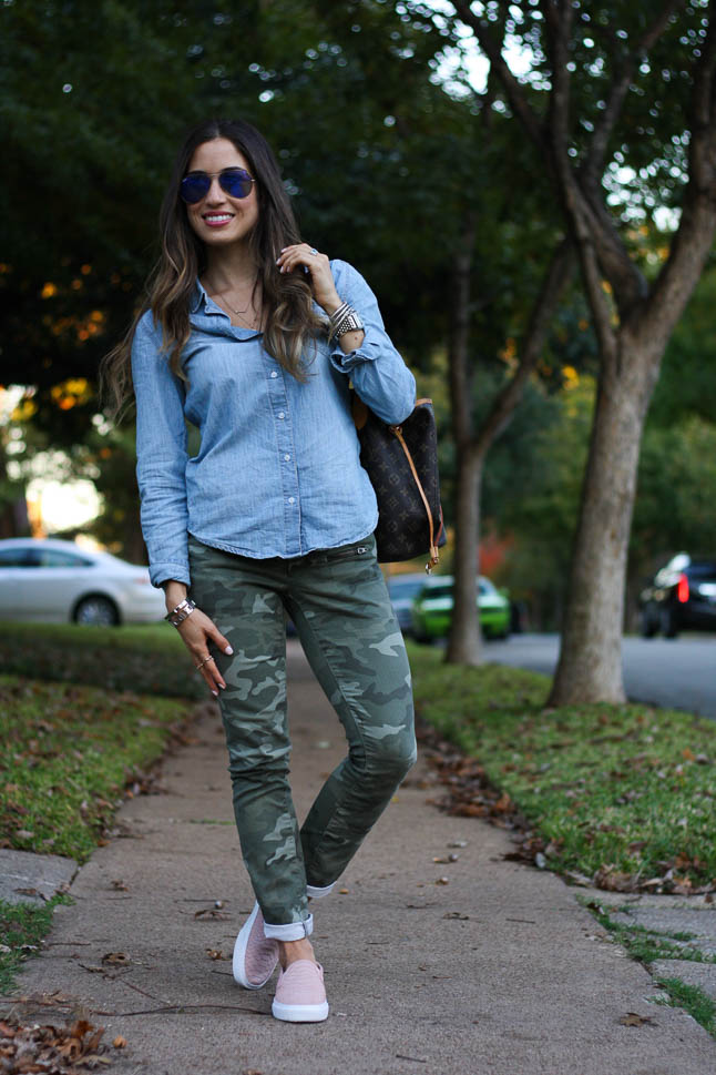 Camo Pants - we love mixing these came pants with prints or chambray   adoubledose.com