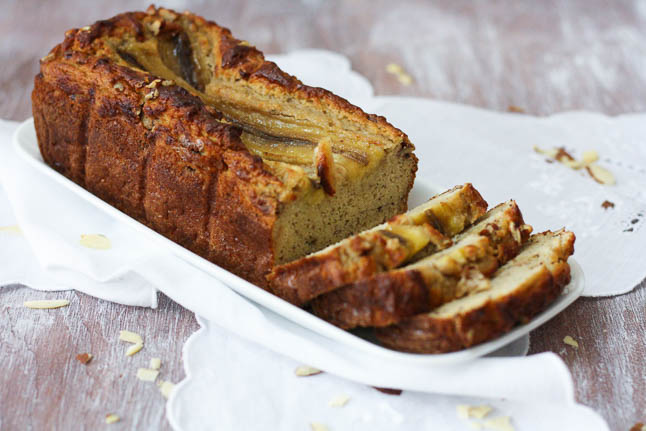 Healthy Banana Nut Bread - a perfectly moist bread with no refined sugars! |adoubledose.com