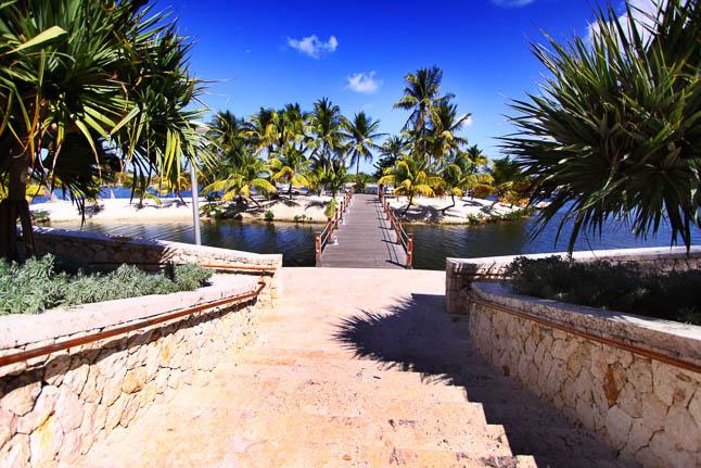 Camana Bay in Grand Cayman | adoubledose.com