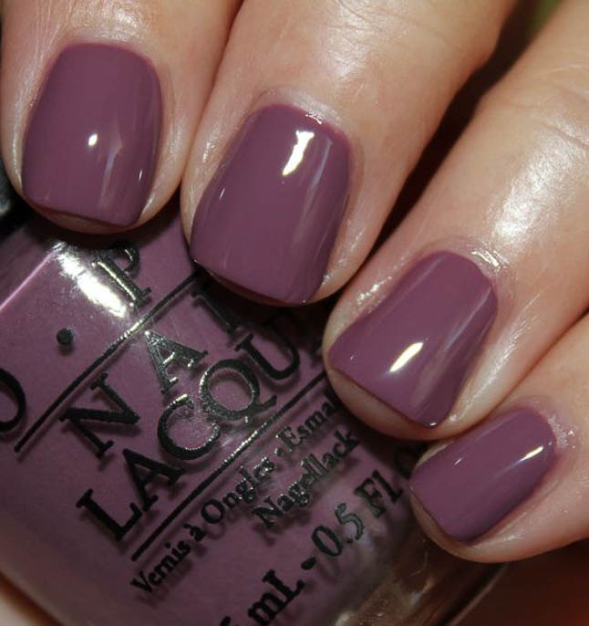 fashion and lifestyle bloggers alexis belbel and samantha belbel share their favorite fall nail colors : OPI Im Feeling Sashy