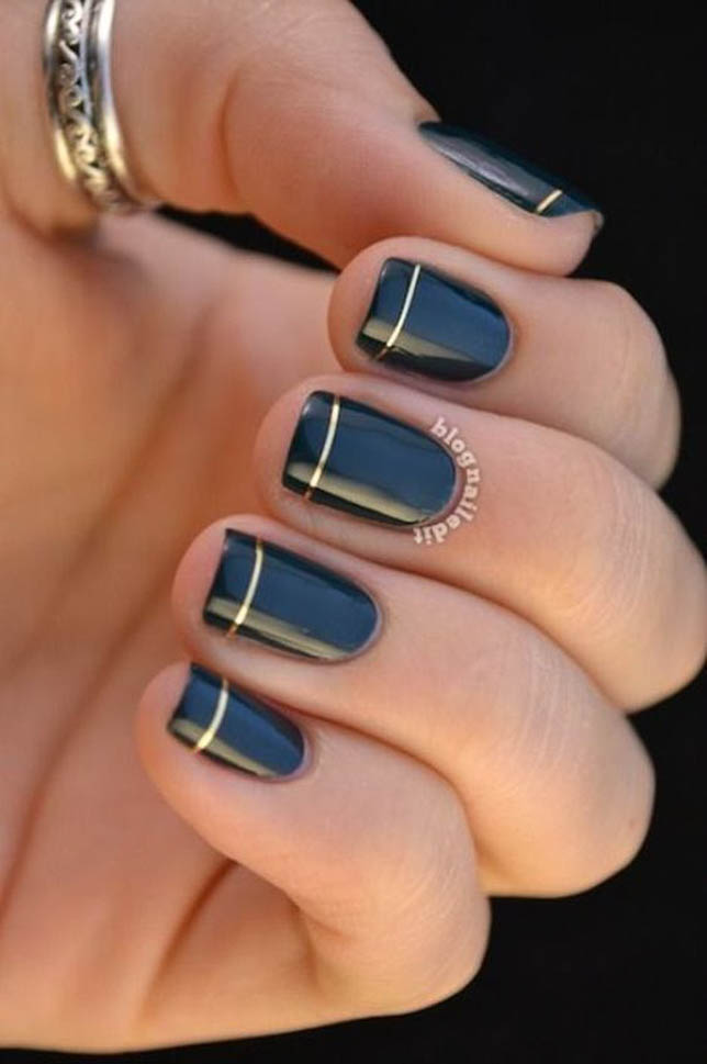 fashion and lifestyle bloggers alexis belbel and samantha belbel share their favorite fall nail colors : Essie Black Onyx