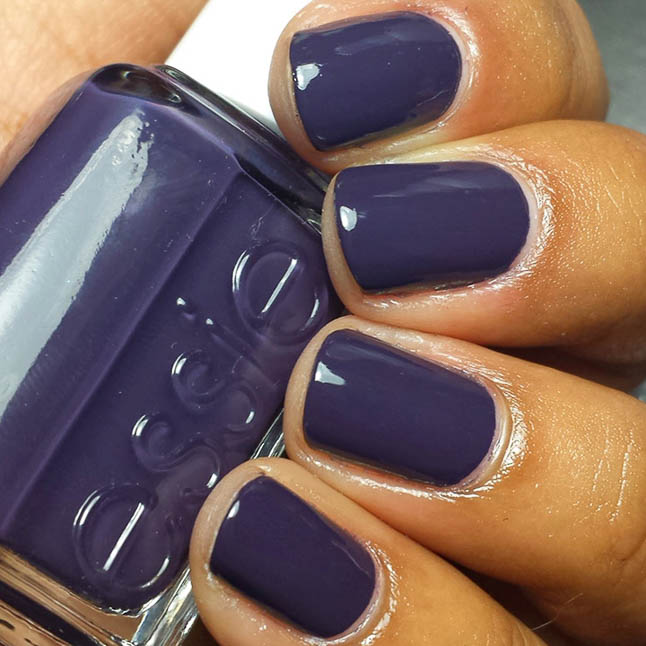 fashion and lifestyle bloggers alexis belbel and samantha belbel share their favorite fall nail colors : Essie Under he Twilight
