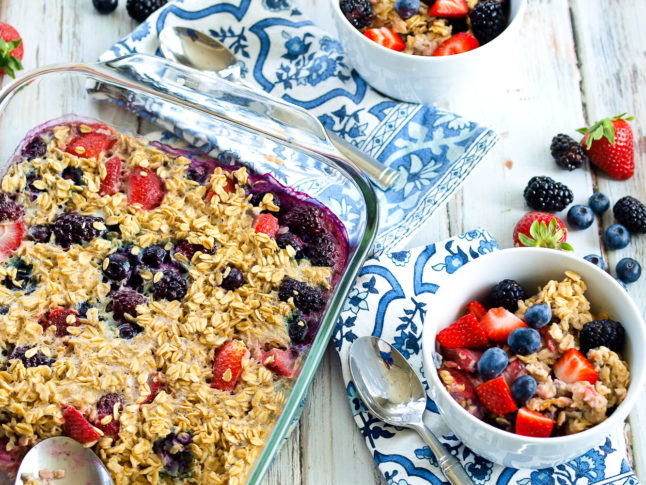 Baked Berry Oatmeal - A Double Dose of Fitness | adoubledose.com