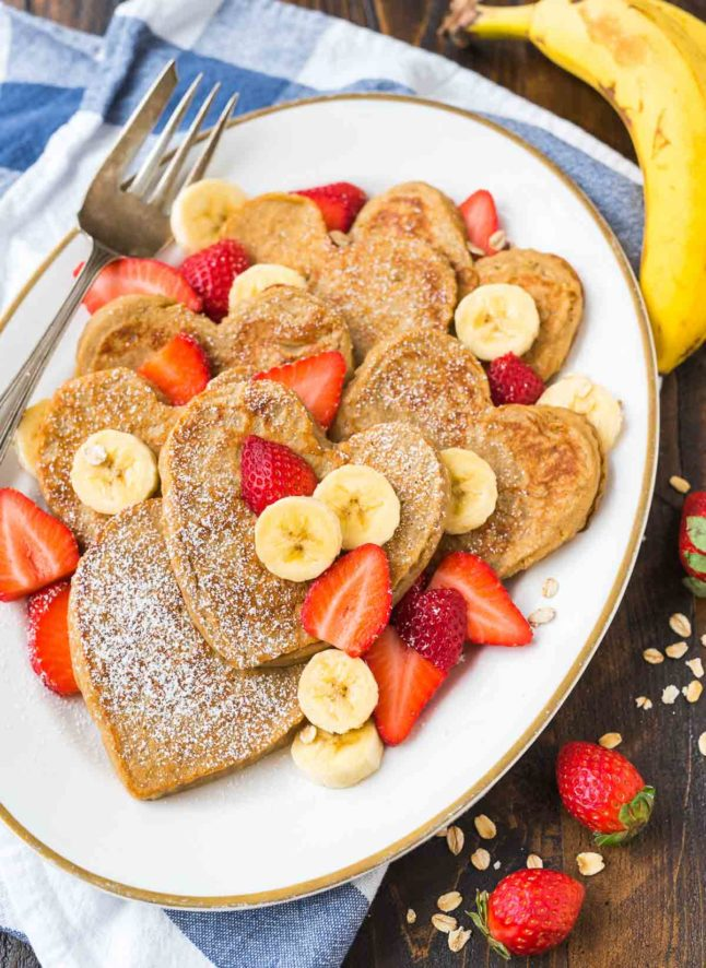 Banana Oatmeal Blender Pancakes - A Double Dose of Fitness | adoubledose.com