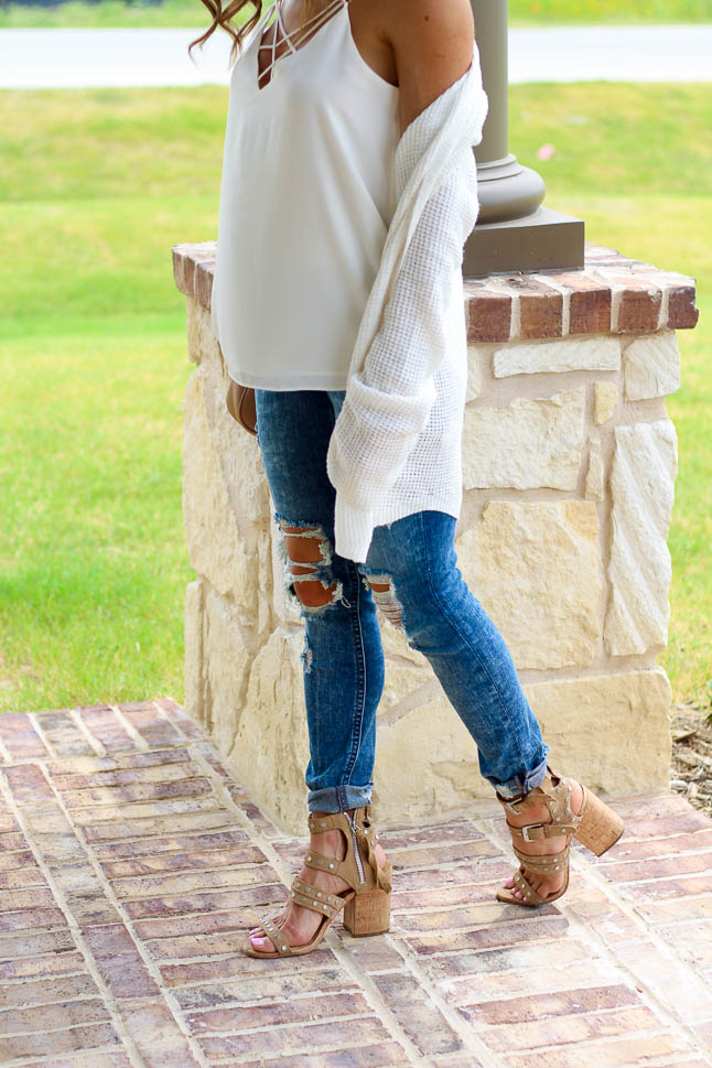 Ripped Jeans For Petites | adoubledose.com