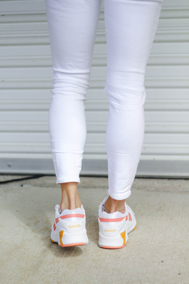 How To Style White Sneakers | adoubledose.com