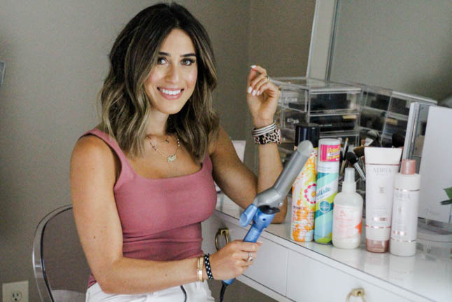 lifestyle and fashion blogger alexis belbel shares her beachy waves hair tutorial for a bob haircut with a babyliss curling iron with walmart