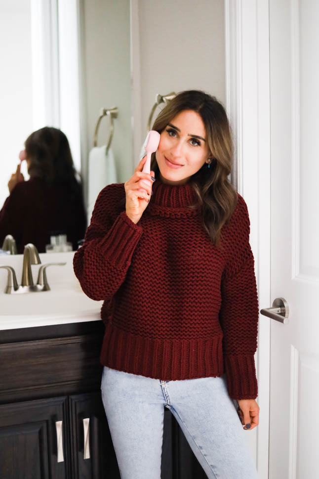 alexis belbel sharing her favorite beauty gadgets and tools from nordstrom including the Beautybio glopro microneedling too, PMD facial cleansing brush, and the beautybio cryo roller for tighter skin, fine lines, and collagen production from Nordstrom