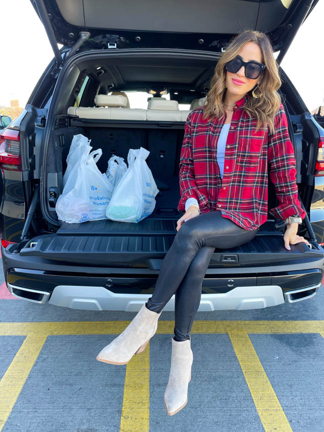 lifestyle and fashion blogger alexis belbel shares how she uses Walmart Grocery Pickup and Delivery to get groceries for the week and how much she saves vs Kroger | adoubledose.com