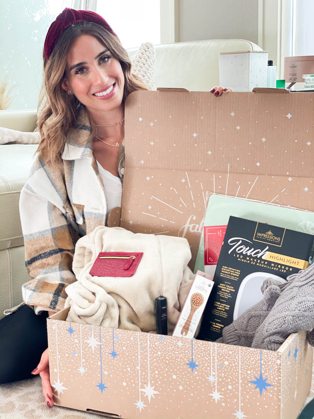 alexis and samantha belbel share their review of the FabFitFun winter box subscription and all the items in it   adoubledose.com